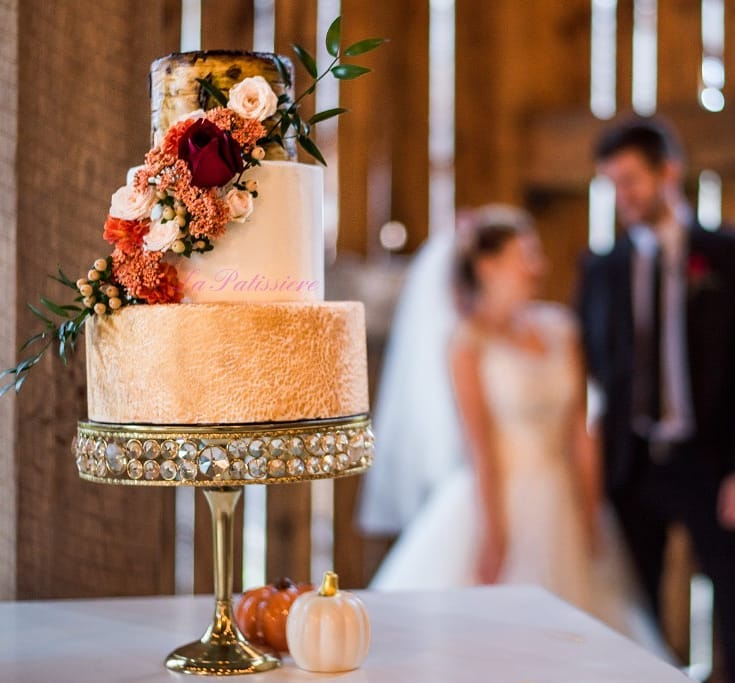 Custom wedding cakes in Toronto