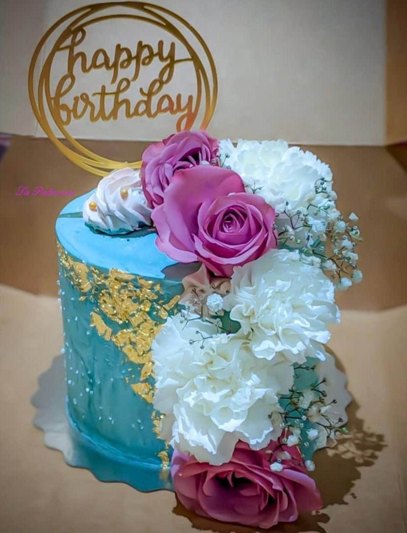 Birthday Cake in Toronto